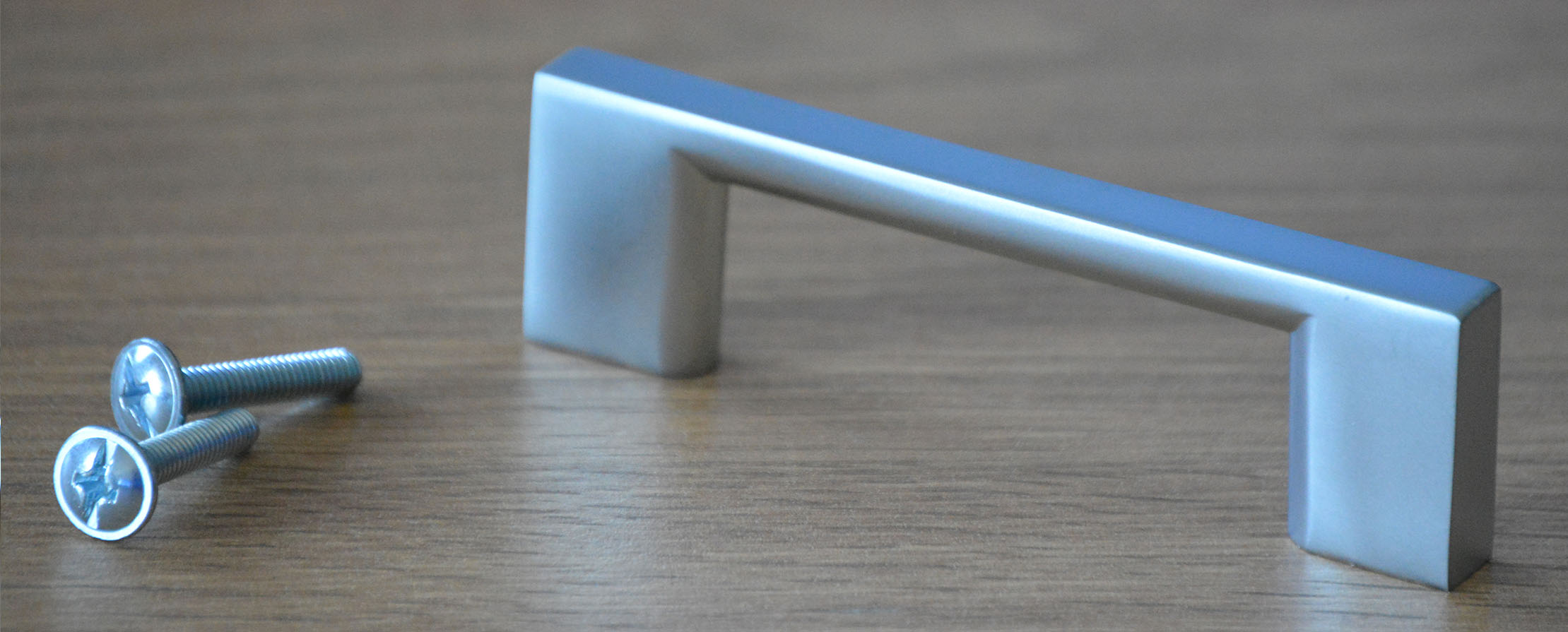 "Metal ""D"" handle in Modern Matt Nickel Finish"